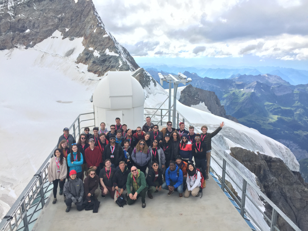 The International Bachelor Summer School for Climate Change Research of the University of Bern continued in 2019. As in the previous year, a group of participants visited the Research Station at Jungfraujoch. Photo: Stéphane Affolter